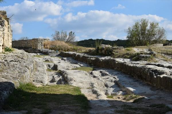 Остатки древней дороги
