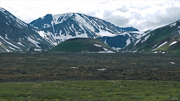 Вулкан Кропоткина от подножия вулкана Перетолчина
