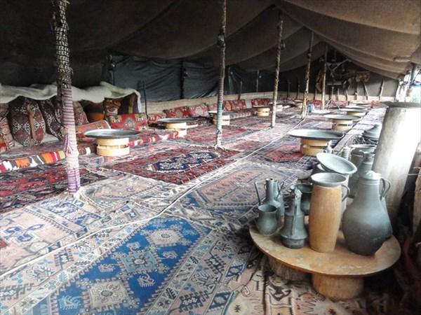 Шикарный ковровый шатер.