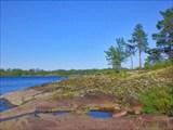 Каменистый берег Ладожских шхер