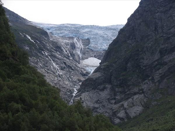 Ледник Briksdalsbreen
