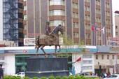 Бурса, памятник основателю Осман Гази.