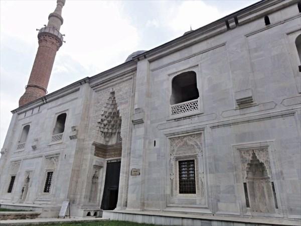 Зеленая мечеть.