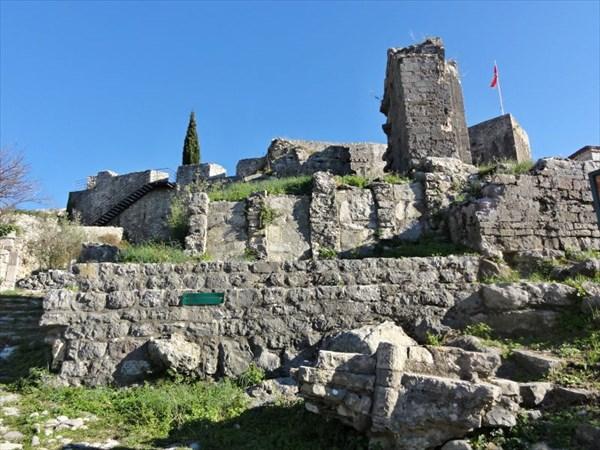 Руины францисканского монастыря св.Николая