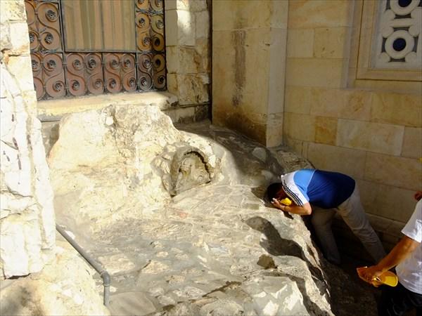 Камень, на котором Иисус умолял Бога спасти его