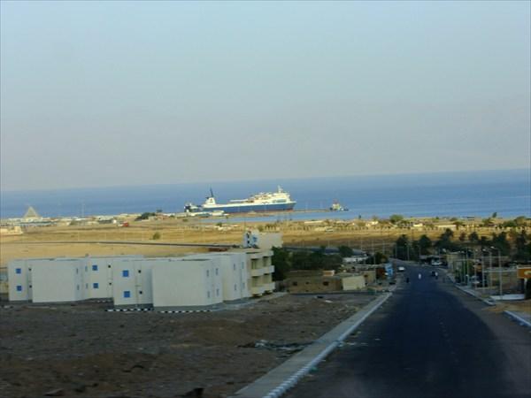 Нувейба. Порт