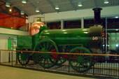 Старинный паровоз на вокзале в Корке