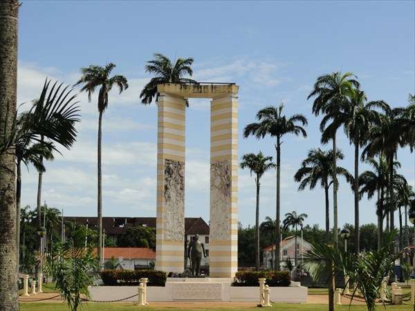 Площадь пальм в столице Французской Гвианы г.Каенне