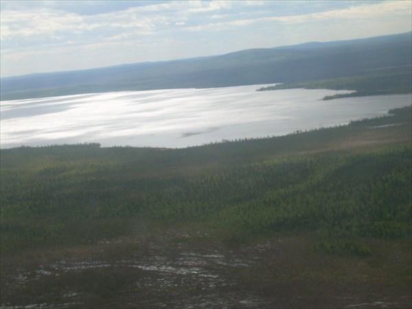 Вид на Умбозеро с вертолёта