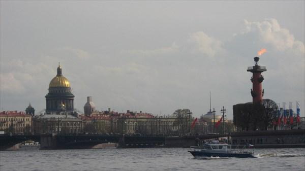 Исаакиевский собор и Ростральная колонна
