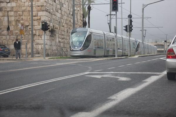 023-трамвай
