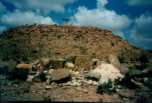 Древний курган  - захоронение