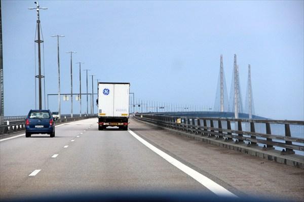 Мост, соединяющий Швецию и Данию